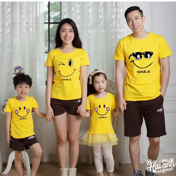 Mẫu áo nhóm gia đình đầy ý nghĩa